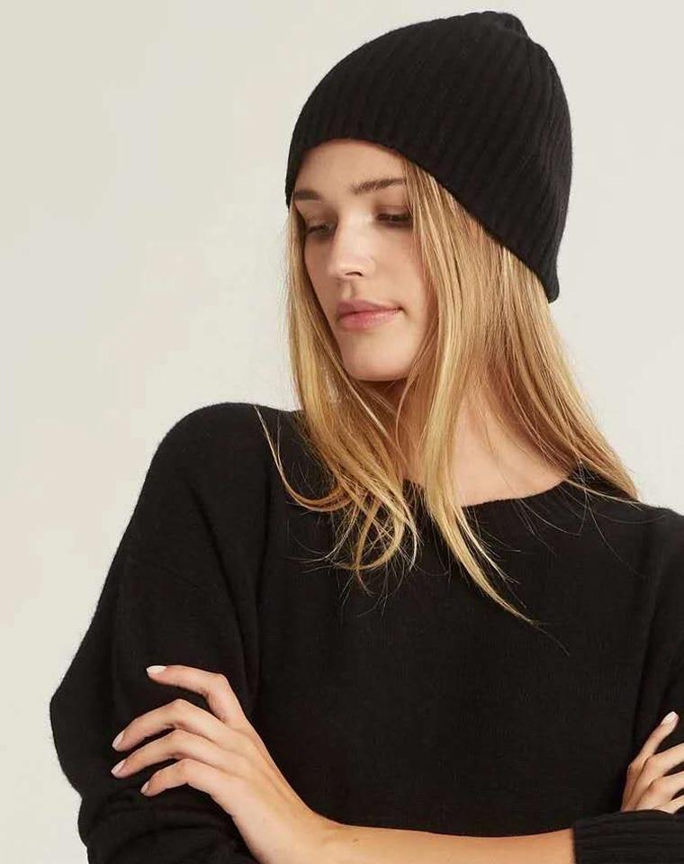 超级白菜一枚   巨减龄男女款  含毛28% 仅29元  日本earth&music地球音乐 纯正原单 冷帽毛线帽  不分年龄性别 情侣帽