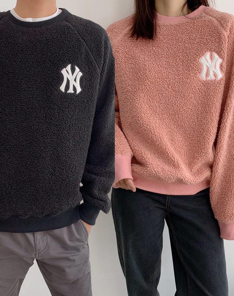 戳中小心脏~~~ 巨上镜!巨宝藏 男女款  独家羊羔毛材质  仅118元  韩国MLB纯正原单  NY洋基队 人造羊羔绒  廓形保暖卫衣