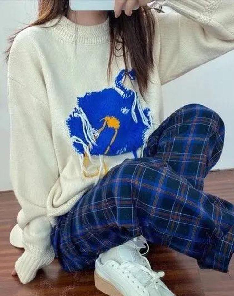 小众品牌  有钱也买不到的 Ader error纯正原单  仅198元  2020秋冬最新 蓝色鸵鸟花朵流苏宽松 针织上衣 手工勾线长袖毛衣