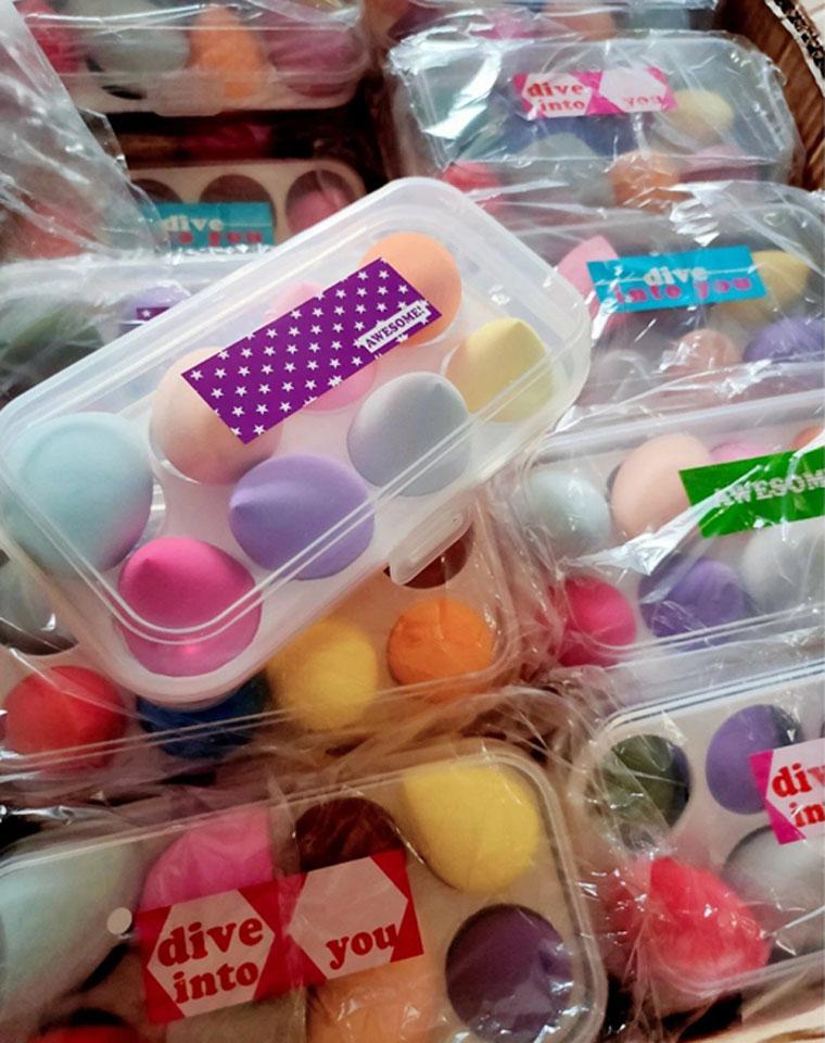 不吃粉不卡粉 墙裂推荐  仅19.9元  外贸订单 干湿两用收纳盒 超级可爱8只装美妆蛋