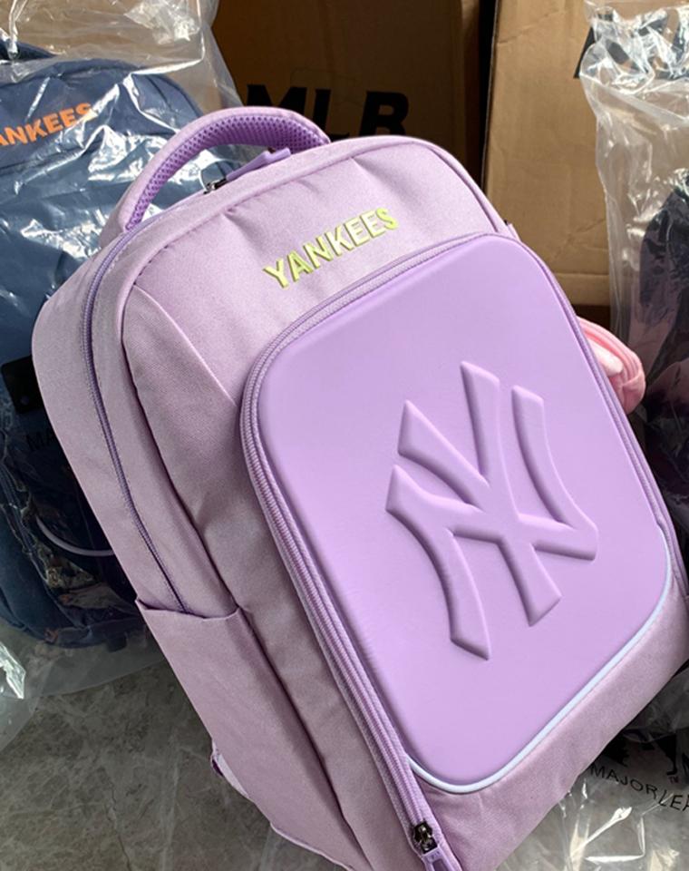 给孩子的好货!!!男女生都有  仅185元  Fila斐乐纯正原单  护脊双肩背包 轻便儿童书包旅行包