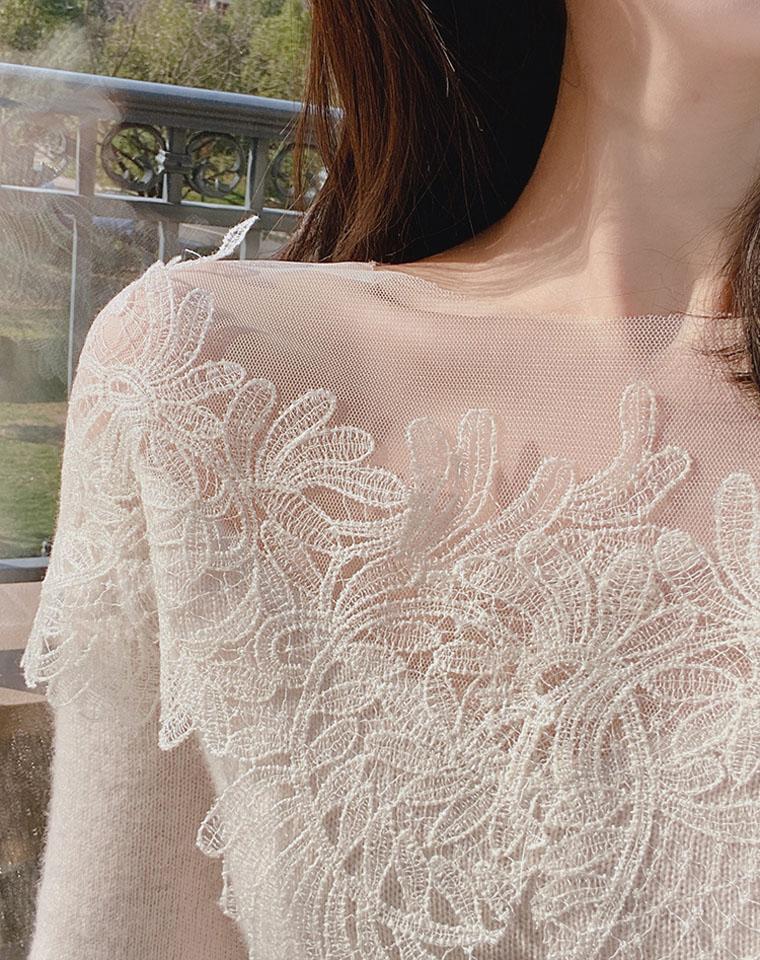 情不自禁  羊绒混纺 仅195元  优雅领口网纱蕾丝拼接   羊绒衫 打底毛衣