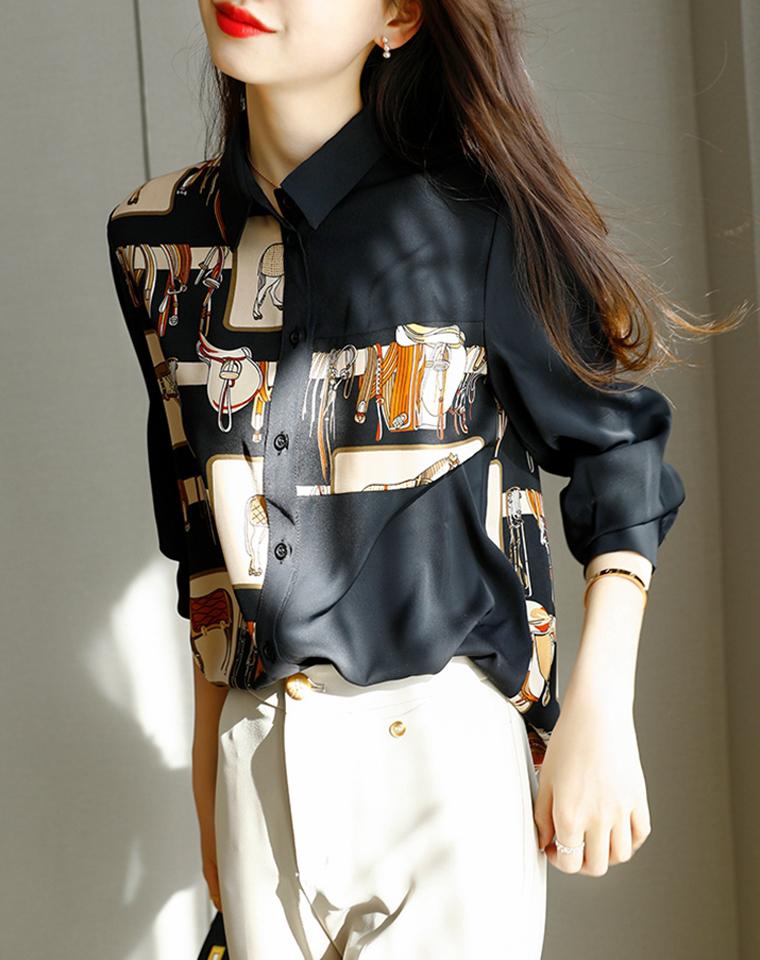 大牌气质 洋气黑底爱马高品段 仅148元  仿丝缎面马术印花 长袖衬衫