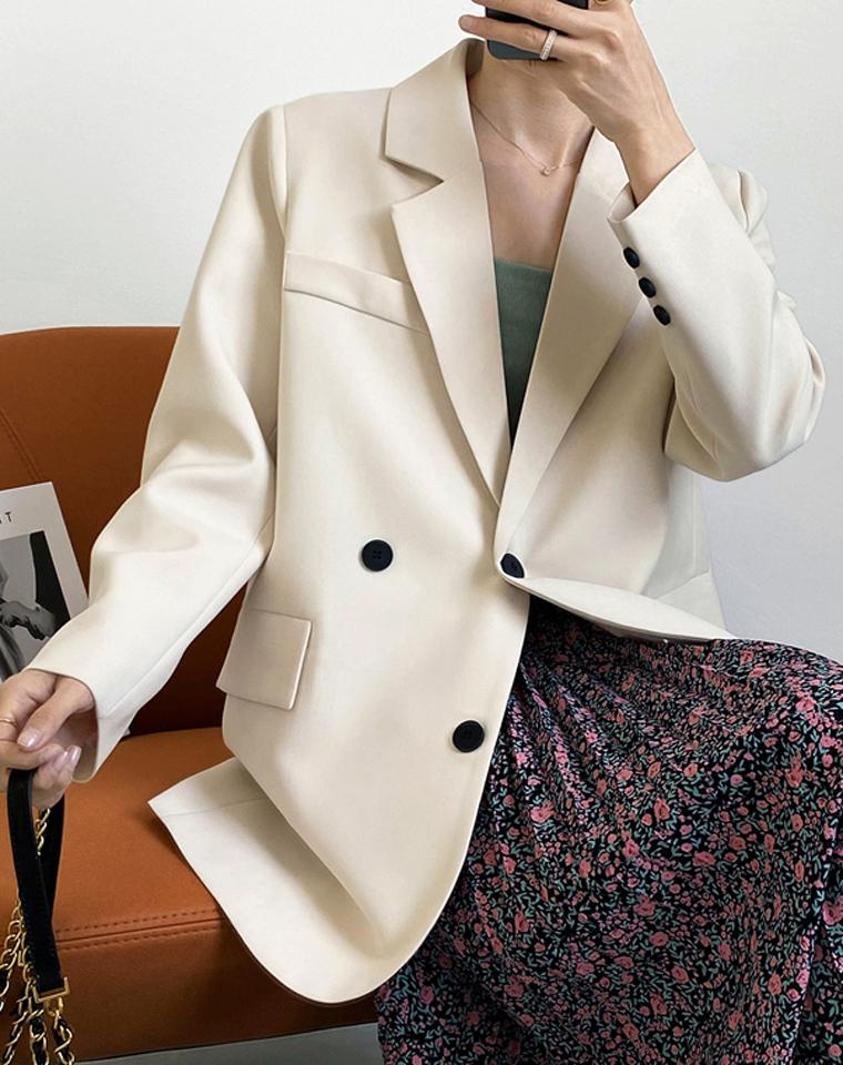 颠覆性小众设计西装  仅118元  外贸出口订单 大牌专柜2021春新款 后背小扣装饰 超洋气西装外套女宽松外套西服