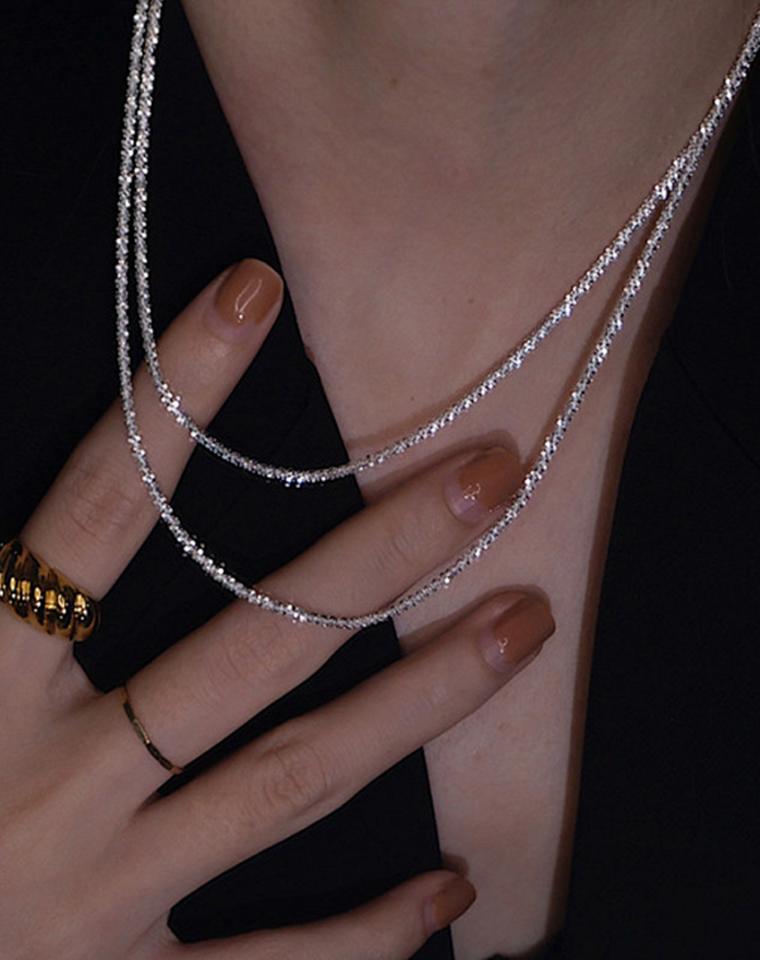 人间星河 星辰大海!  仅128元 繁星璀璨闪光美~ 意大利素银925纯银项链裸链素链,波光粼粼素链,小众百搭,设计感十足推荐锁骨链