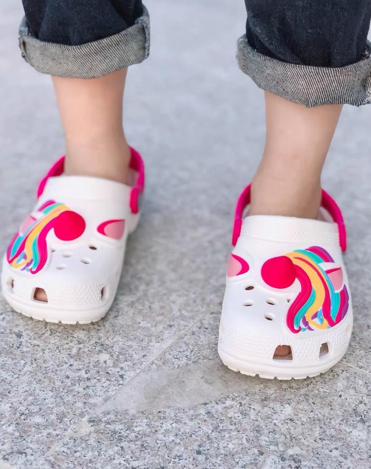 宝宝福利!卡通童趣 男女童都要的洞洞鞋! 仅69元   CROCS卡骆驰乐 纯正原单  舒适好穿 男女童洞洞鞋凉鞋