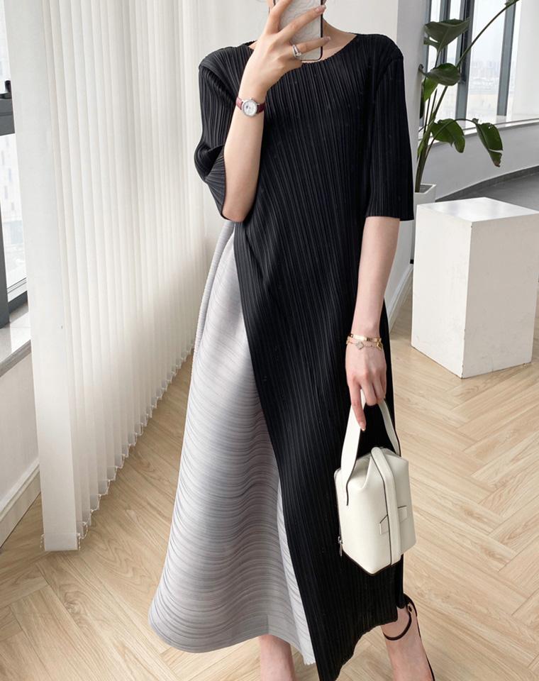 洋气显瘦 不挑人  仅168元  三宅 高端女装  显瘦气质 设计感  拼色褶皱长款连衣裙