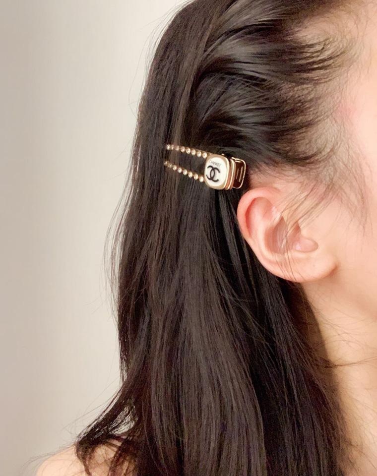 七夕最佳馈赠   绝世独立  仅98元 香奈儿  双C发夹  方形耳钉