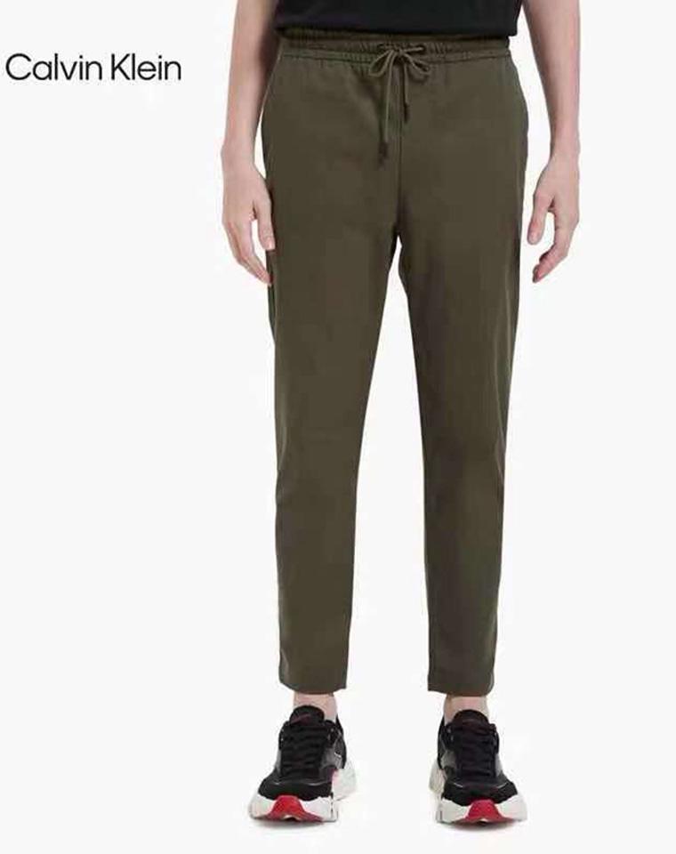 给纯爷们の   超级舒服  仅135元  Calvin Klein2021秋季最新  纯正原单  客供弹力 哑光质感全棉 梭织长裤