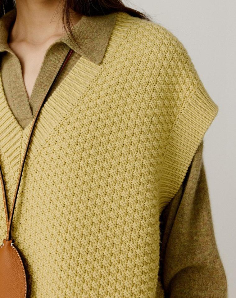 毫不费力的时髦 仅135元  ICICLE之禾纯正原单   21秋季  V领粗支落叶黄针织马甲
