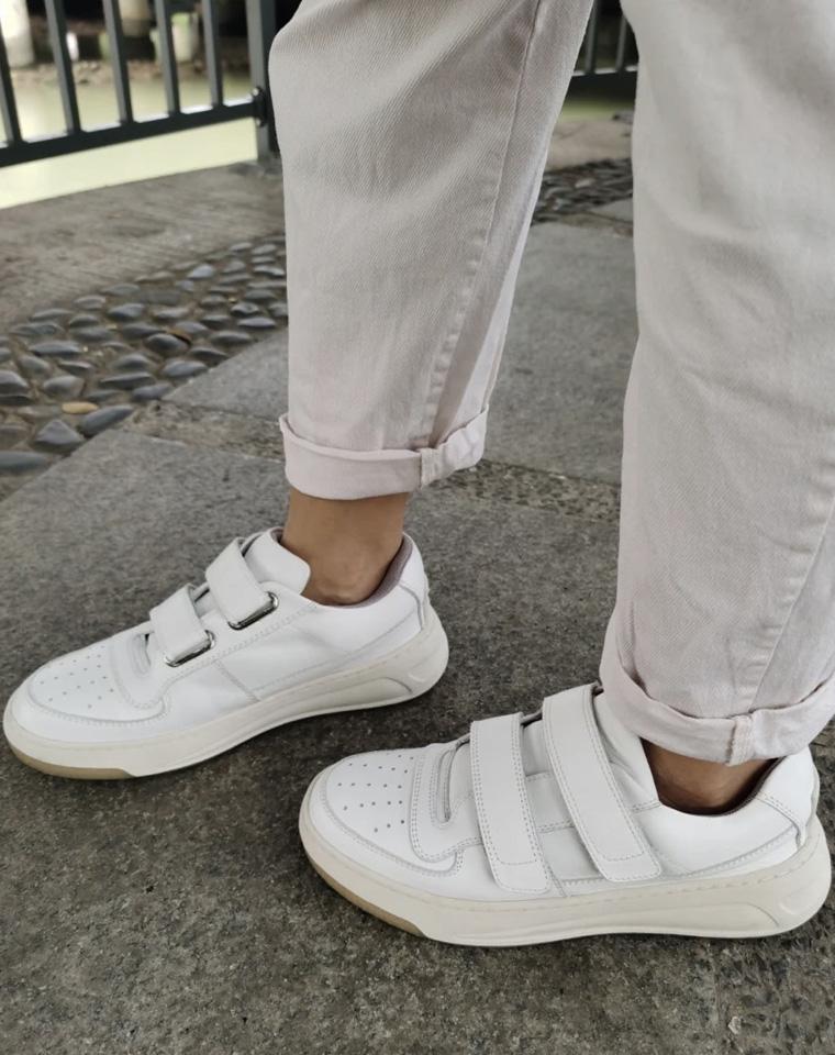 呆萌好穿!这款小白鞋必须拥有  仅328元 Acne Studios纯正原单 小众宝藏款  魔术贴 小白鞋质感小牛皮